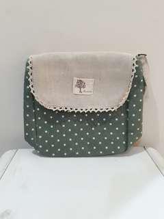 Polkadot sling bag green