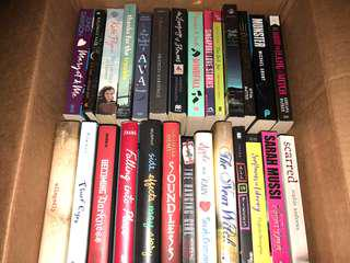 🚚 Young Adult books for sale :)