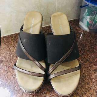 Hush puppies wedges brown
