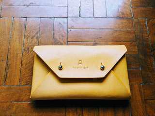 🚚 Pinkoi 芥黃設計款皮夾(低於四折出售)