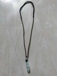 褔豆necklace