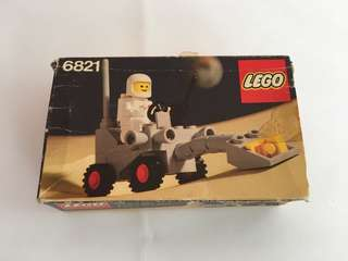 80年太空樂高6821。有盒但不靚仔,有書,齊件。👍白色太空人👍。這類樂高全球也難找👍,絶非香港週街也能買到的現代LEGO能夠相比💪
