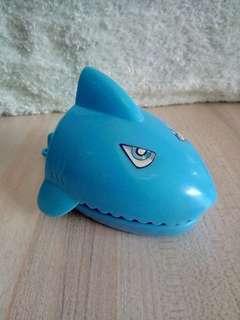 🚚 鯊魚小玩具