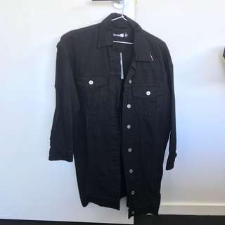 NEW Boohoo black denim jacket long