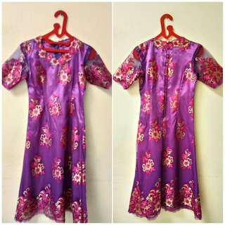 Gaun Kebaya Wanita