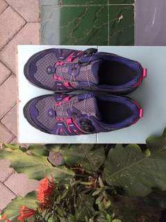 Sepatu gunung wanita Eider