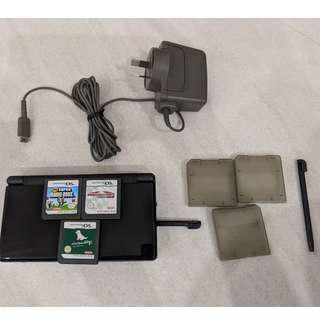 Nintendo DS Lite (Australian Charger)