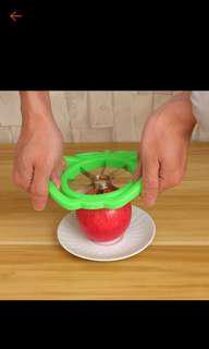 Fruit cutter/apple slicer