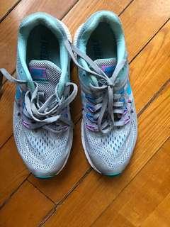 Nike Fitsole sports shoes