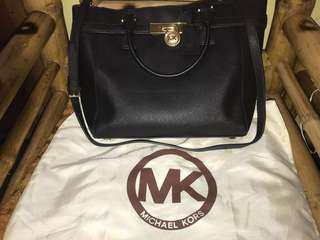 Michael Kors Hamilton Two way bag (sling & handbag)