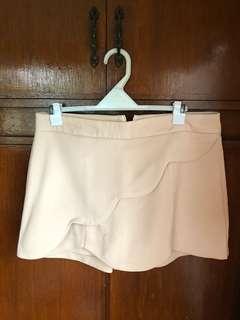 Pre Loved Beige Skort (Skirt in front Shorts at the back)