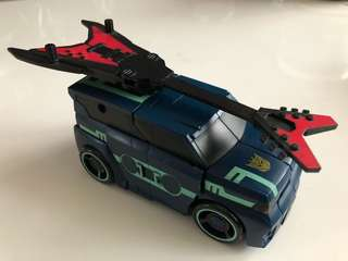 Transformers Animated Deluxe Class Soundwave with Laser Beak