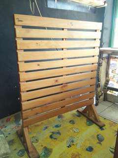 Partisi kayu jati belanda sekat pagar pembatas