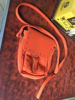 SAC Sling bag