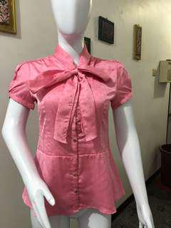 The executive blouse pink
