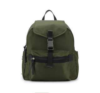 Mizzue Jason Constanzo - Green bagpack
