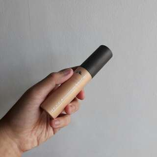 Becca Shimmering Skin Perfector Liquid Highlighter in Prosecco Pop