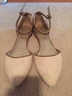 *REDUCED* Tahari white lace and brown flats