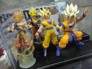 Goku (super saiyan) set of 4 with case