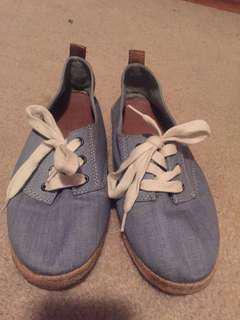 *REDUCED* Aldo periwinkle casual shoes
