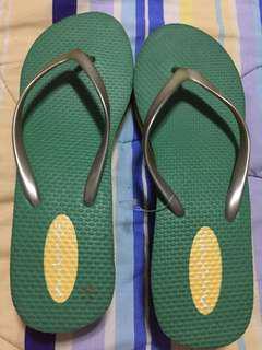 NUTMEG slippers