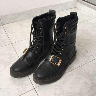River Island Black Boots with Buckle WOMAN EUR 37