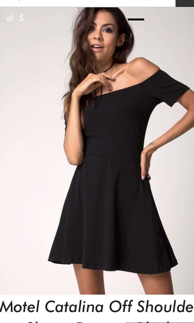 4cb9ba5a89 Black offshoulder skater dress