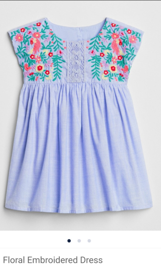 2388ca539471 BN (12-18M) Gap Floral Embroidered Dress