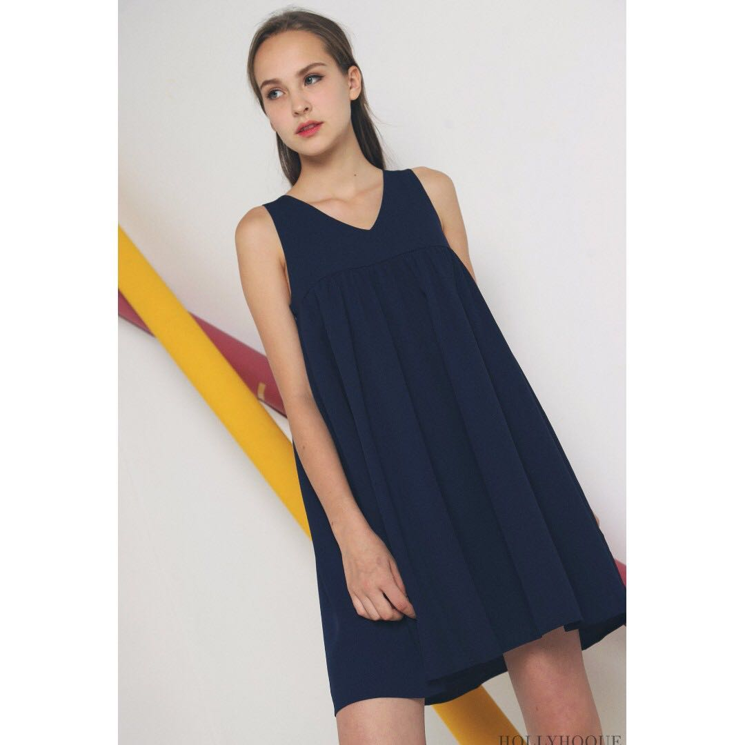 564b527696f7 HOLLYHOQUE VEE BABYDOLL DRESS NAVY - M, Women's Fashion, Clothes ...