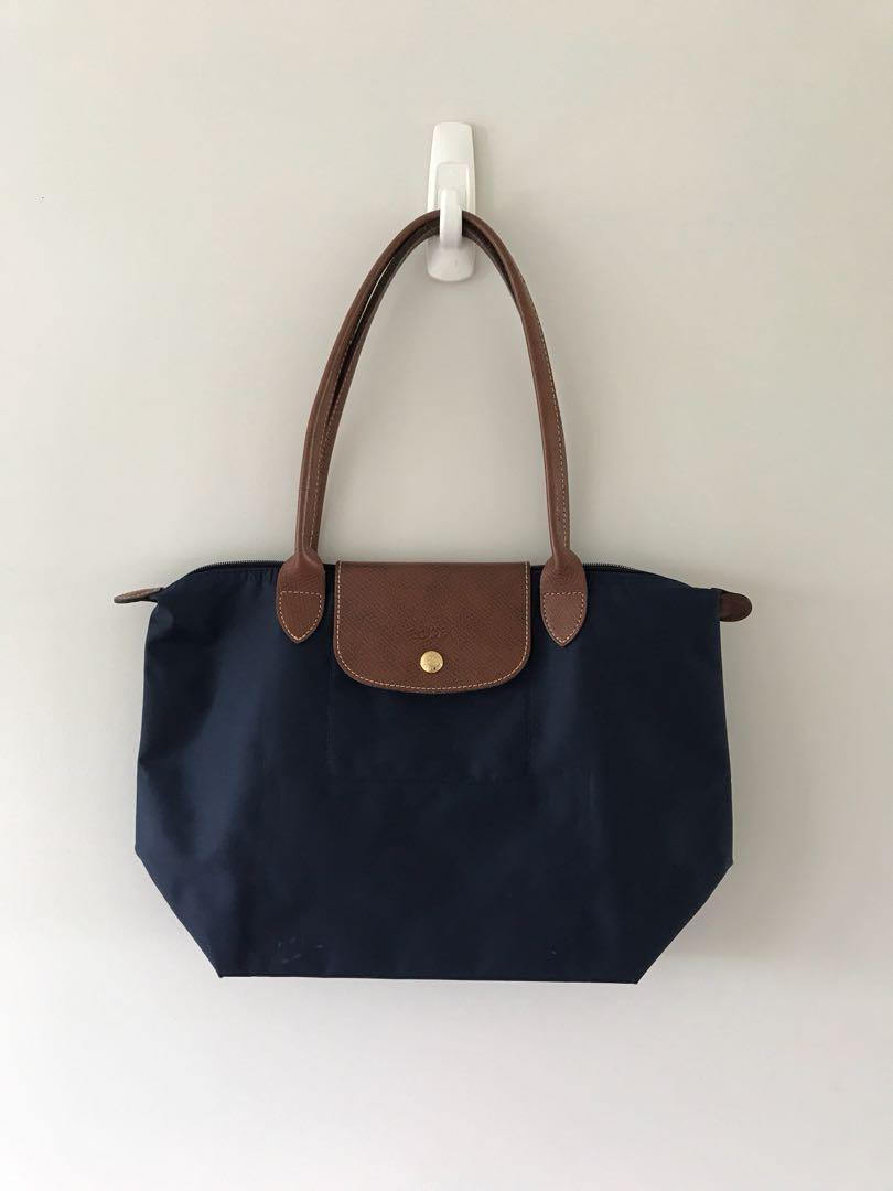 a242b32c7cb Longchamp Le Pliage navy long handle medium, Women's Fashion, Bags ...