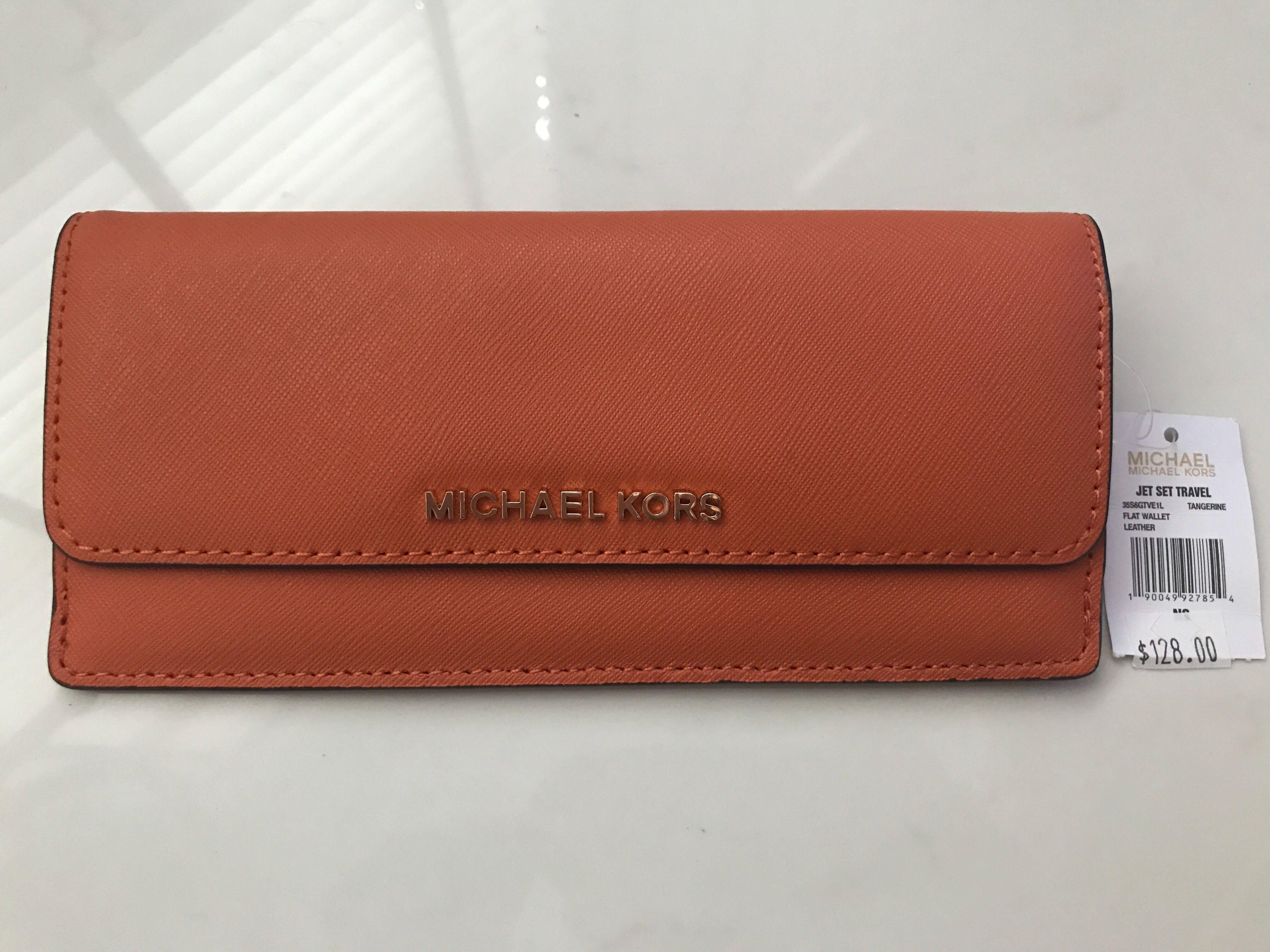74116e93dbd3 Michael Kors Jet Set Travel Flat Wallet, Women's Fashion, Bags & Wallets,  Wallets on Carousell