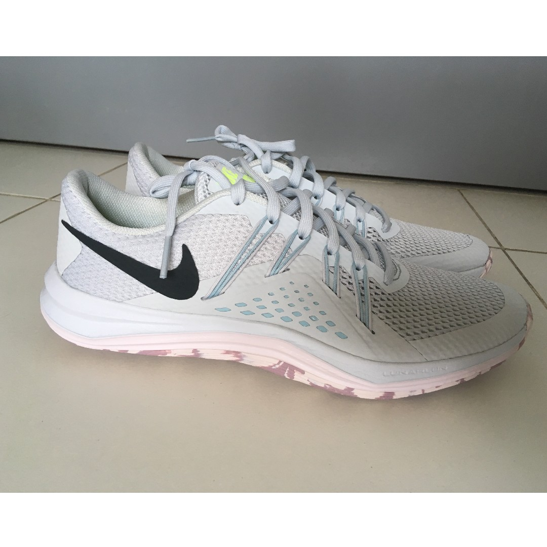 6c2eefe93661 NIKE Training Shoes