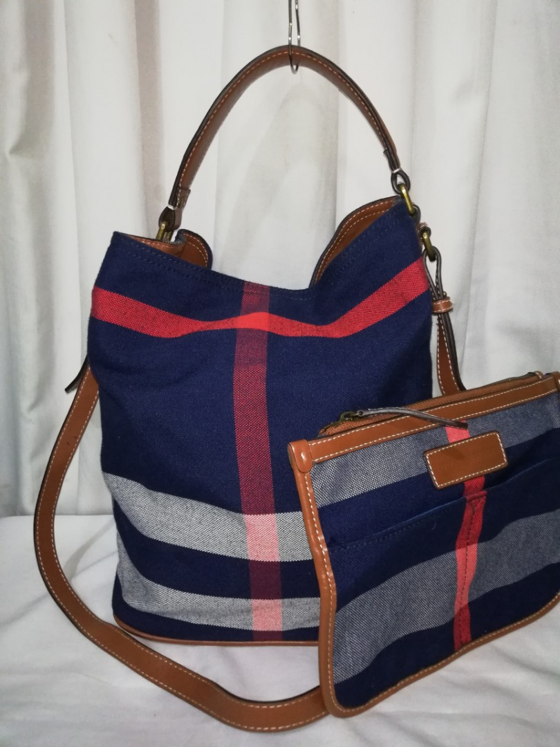 aa09a9f4c151 Preloved Authentic BURBERRY Sussana Canvas Hobo GNQINCHOQIN