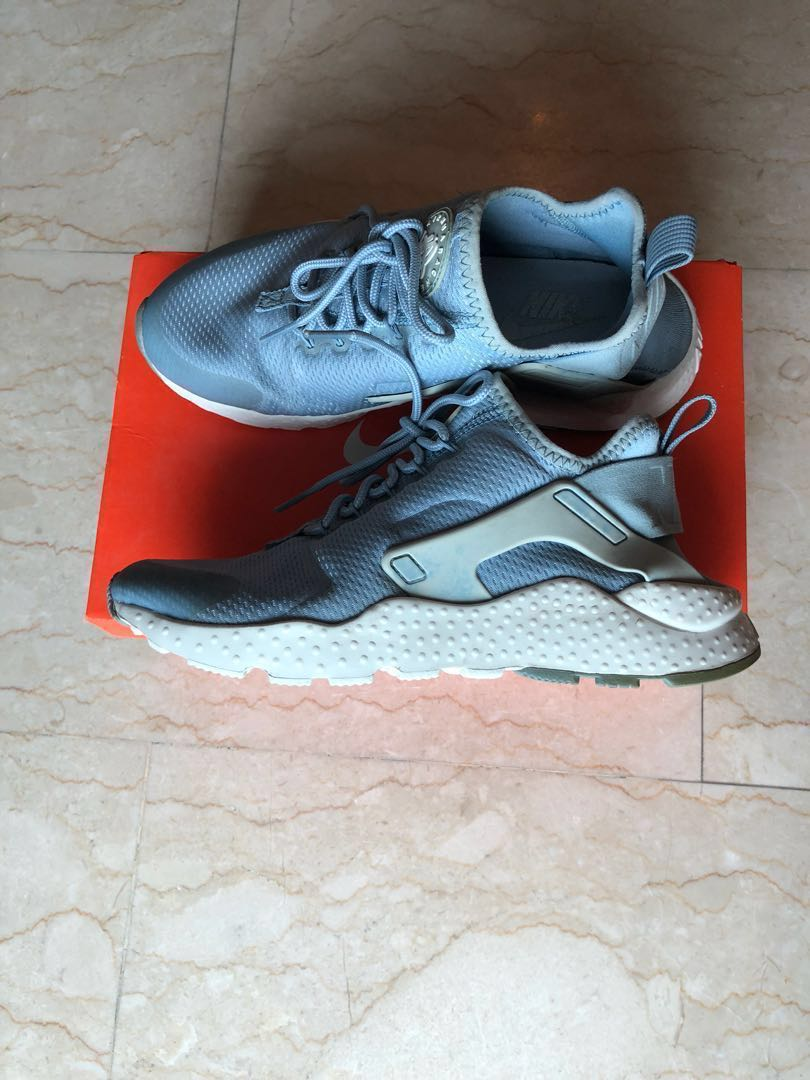 the best attitude 1878a 6f1e3 Women s Nike Air Huarache Ultra Blue Grey White, Women s Fashion, Shoes,  Sneakers on Carousell