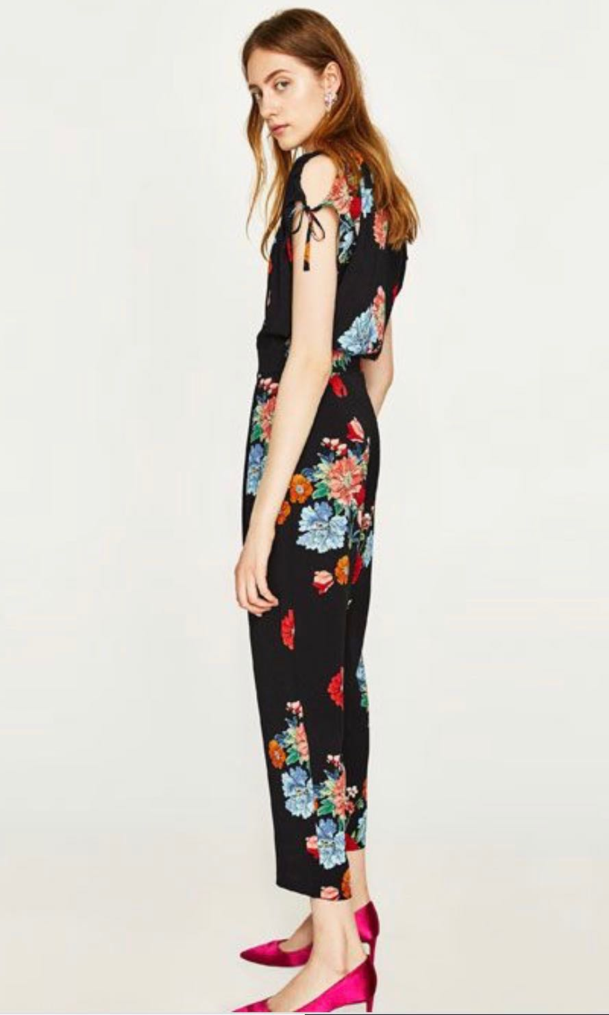 a233b89eab84 Zara Floral Jumpsuit