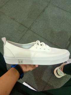 vans Pt pure white below srp