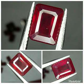 Natural Red Ruby 3.04 carats top