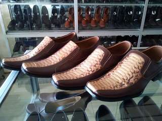 Sepatu kulit sapi + ular AUTHENTIC original 💯%