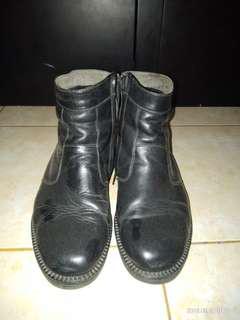 Boots kulit asli