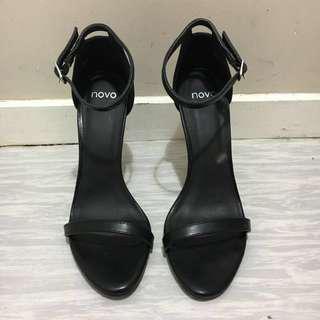 Novo Lexie Heels