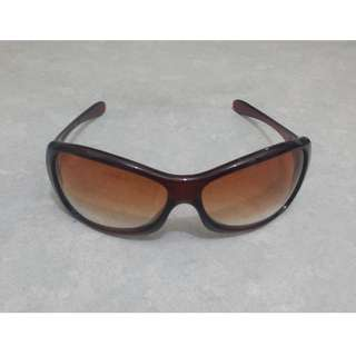 Authentic Brand New in Box Oakley Grapevine 03-512 Women's Sunglasses Rust Brown/Brown Gradient