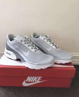 Nike Air jewel Bnwt