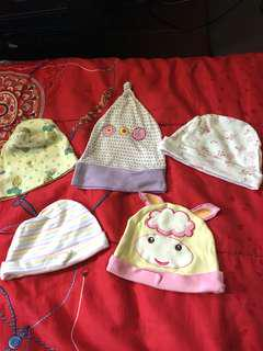 Bonnets for new born (used)