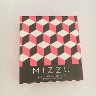 Mizzu Lit from within Compact Powder