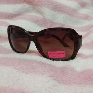 Betsey Johnson Sunnies