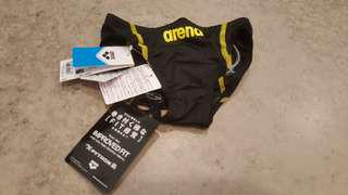 BNWT ARENA FINA APPROVED COMPETITON TRUNKS FOR BOYS