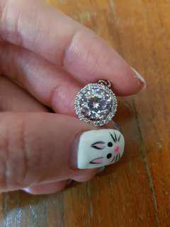 Tiffany inspired brilliant cut man made diamond gold plated pendant (1 to 2 carat)