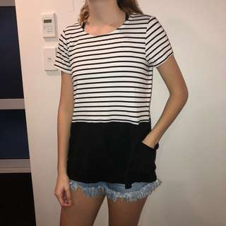 Tee with pockets