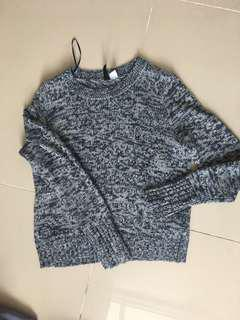 H&M : DIVIDED Sweatshirt