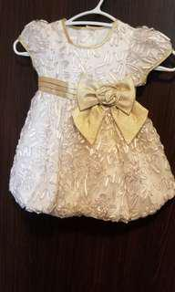 White and gold dress size:2T